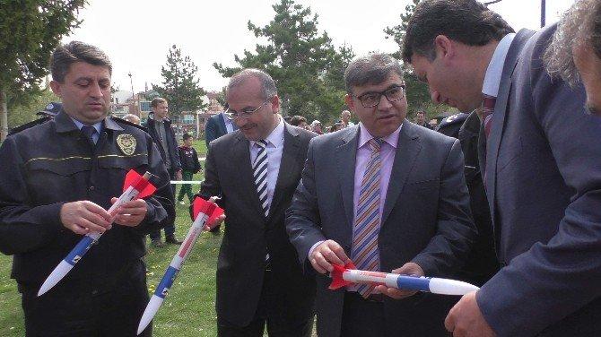 Beyşehir'deki Şenlikte Roketler Uçuruldu