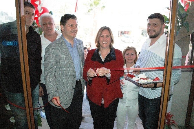 Başkan Demiralp, Restoran Açılışına Katıldı
