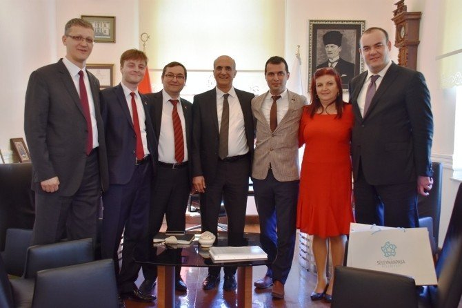 CHP Genel Başkan Yardımcısı Bingöl, Süleymanpaşa Belediyesi'ni Ziyaret Etti