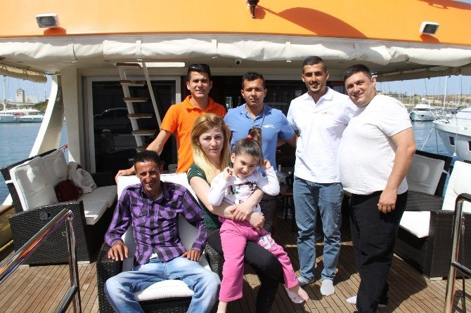 Didim'de İki Engelli Deniz Gezisine Çıkarıldı