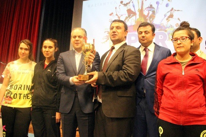 Bakan Kılıç Spor Çalıştayına Katıldı