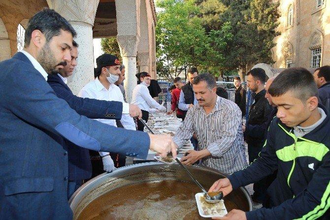 Haliliye Belediyesinden Vatandaşlara Tirit İkramı