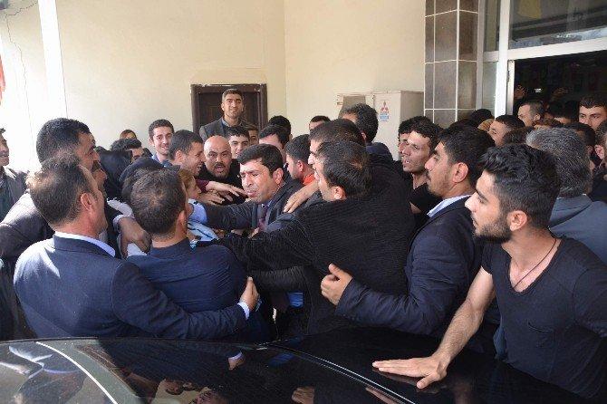 Demirtaş, Partisinin Siirt İl Kongresine Katıldı