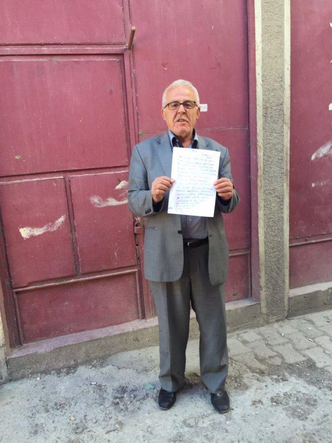 Şehit oğlunun adının bir okulda yaşatılmasını istiyor