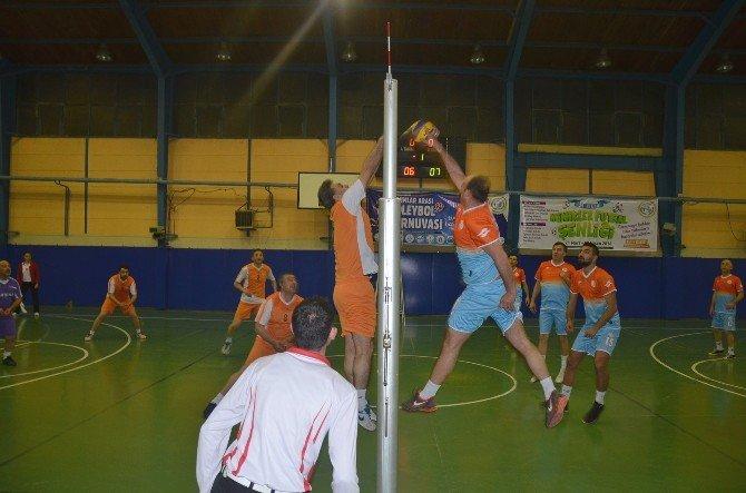Bozüyük Belediyesi Kurumlar Arası Voleybol Turnuvası'nda Finale Yaklaşıldı
