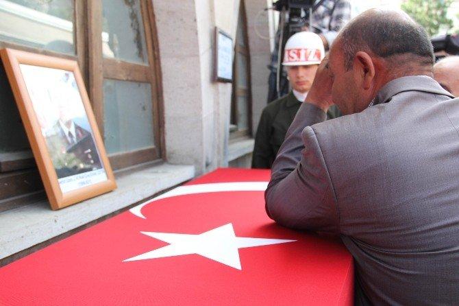Şehit Uzman Jandarma Çavuşu, 20 Bin Kişi Son Yolculuğuna Uğurladı