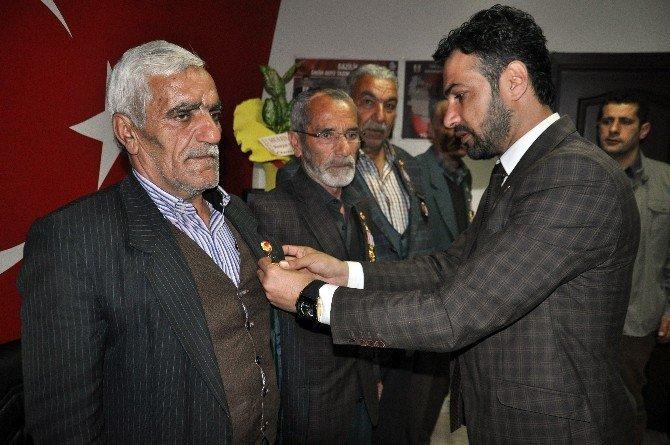 Kıbrıs Gazilerine 42 Yıl Sonra Şeref Madalyası