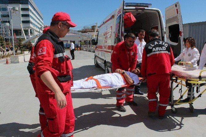 Hastanede Gerçeği Aratmayan Deprem Tatbikatı