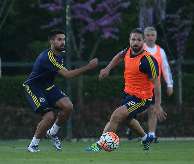 Fenerbahçe, Mersin İdmanyurdu için çalıştı ve kampa girdi