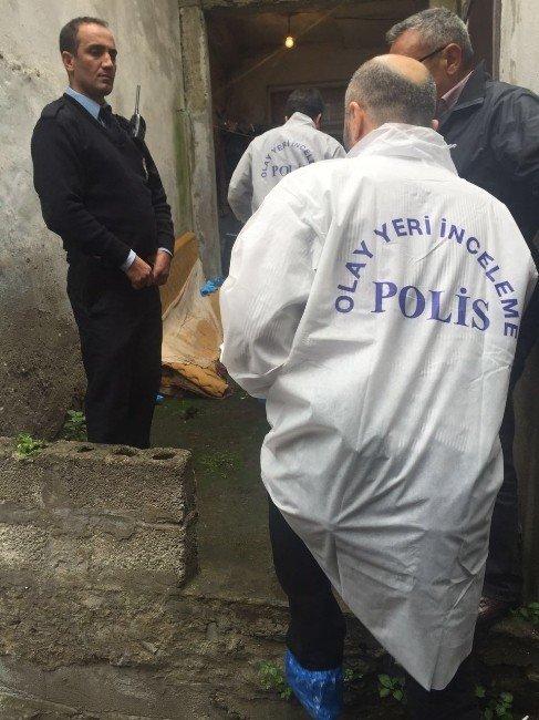 Trabzon'da Bir Kişi Evinde Darp Edilerek Öldürüldü