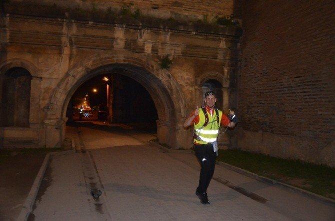 İznik Ultra Maratonu'nun Startı Gece Yarısı Verildi