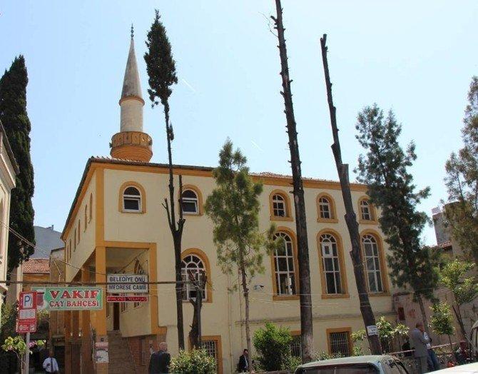 Vakıflar, Tarihi Camileri Ayağa Kaldırıyor