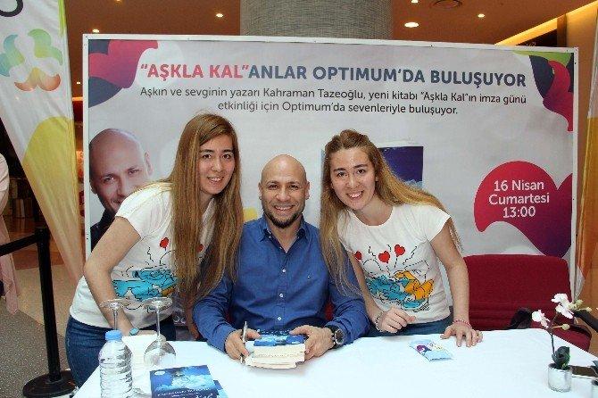 Kahraman Tazeoğlu Adana Optimum'da Okurlarıyla Buluştu