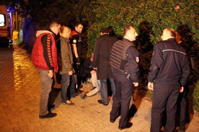 Sokak Ortasında Silahı Kafasına Dayayıp İntihara Kalkıştı