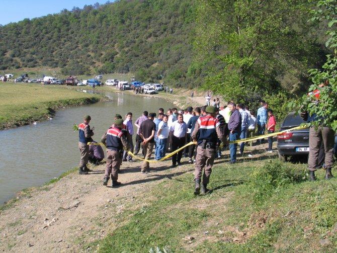 Kemerburgaz'da gölette boğulan gencin cesedi çıkarıldı
