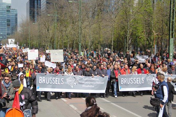 Belçikalılar teröre tepki için yürüdü