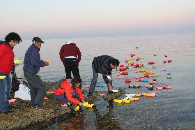 """Hayatını Kaybeden Mülteci Çocuklar İçin """"Suya Düşen Düşler"""" Projesi"""