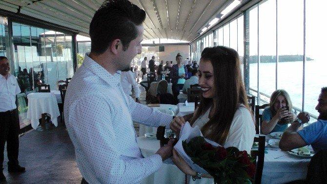 Karadeniz Modeli İlginç Evlenme Teklifi