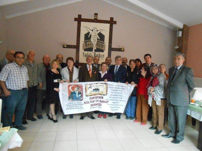 Esküder'in Şiir Ve Türkü Programına Yoğun İlgi