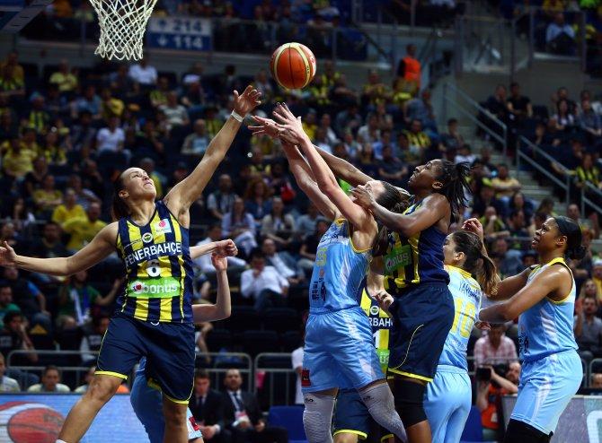USK ZVZ Prag'ı 73-69 yenen Fenerbahçe 3. oldu
