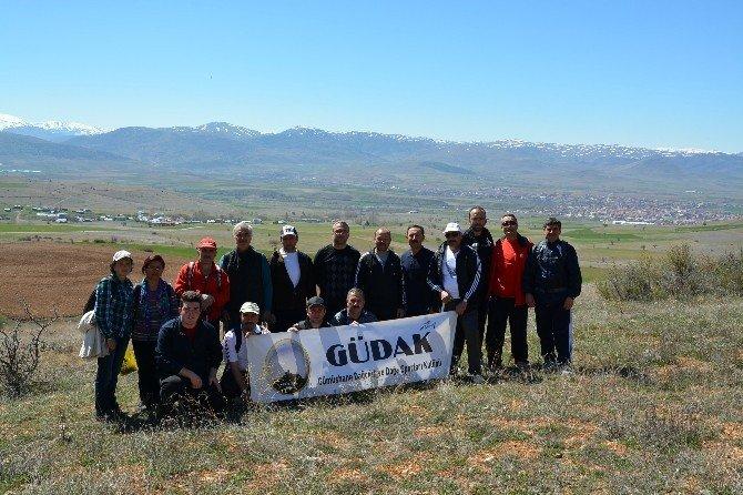 Gümüşhaneli Dağcılar Şehit Erdem Keskin'i Unutmadı