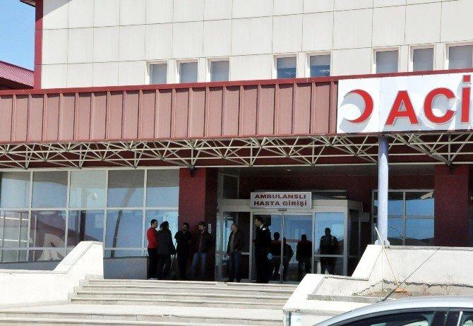 Vali Özdemir, Sarıkamış'ta Çatışmada Yaralanan Askeri Ziyaret Etti