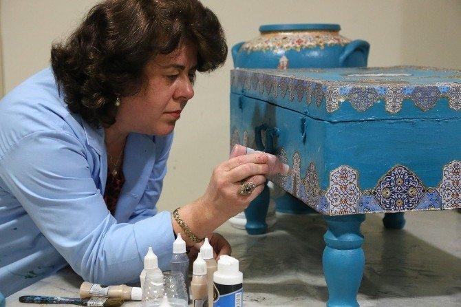 Asırlık Tarihi Eşyalar Ko-mek'te Renkleniyor