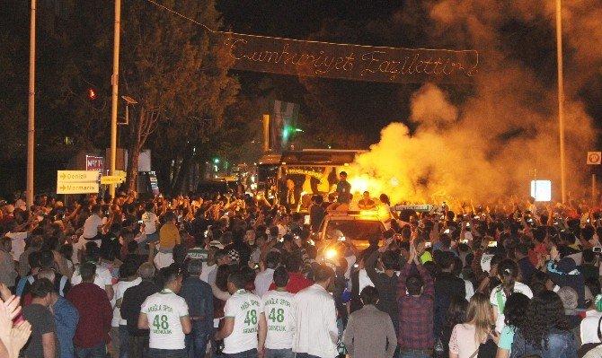 Şampiyon Muğlaspor'a Görkemli Kutlama