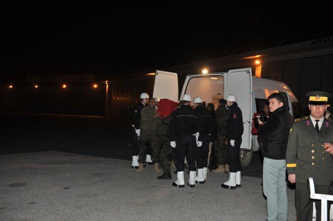 Yüksekova'da şehit düşen polis memeru memleketine uğurlandı