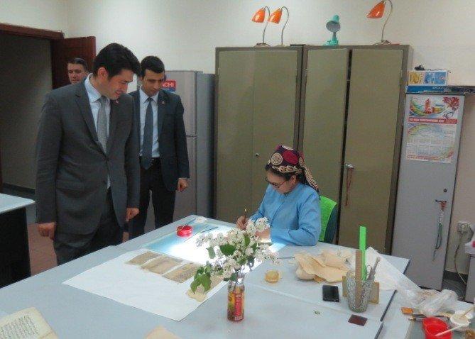 TİKA'dan Türkmenistan Milli El Yazmaları Enstitüsü'ne Ekipman Desteği