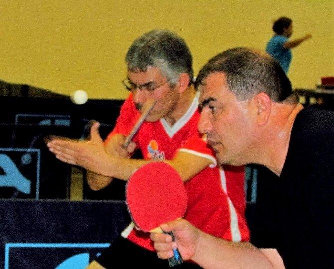 Uluslararası Çeşme Veteran Masa Tenisi Turnuvası Sona Erdi