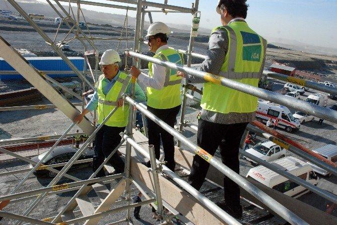 Bakan Yıldırım 3. Havalimanı İnşaatını İnceledi