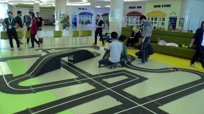Öğrenciler 36 Saat İçerisinde Robot Geliştirmek İçin Yarışacaklar