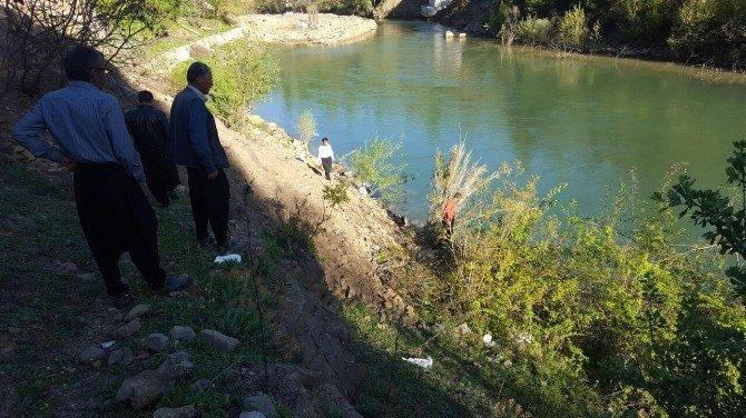 Irmağa Düşen İki Kız Kardeş Kayboldu