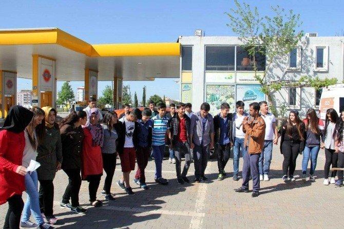 Polis Öğrencilere Halfeti'yi Gezdirdi