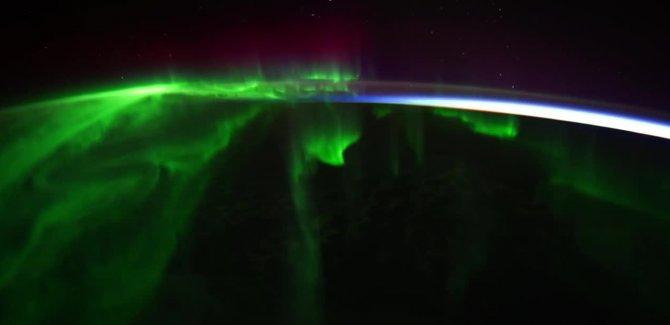 En yeni kutup ışıklarının uzaydan görünümü nefes kesti