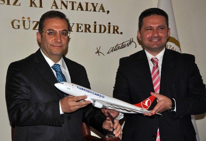 4 Ayrı Ülkeden Gelen 10 Pilot Antalya'da Uçacak