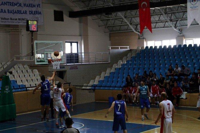 Basketbol Grup Müsabakaları Tamamlandı