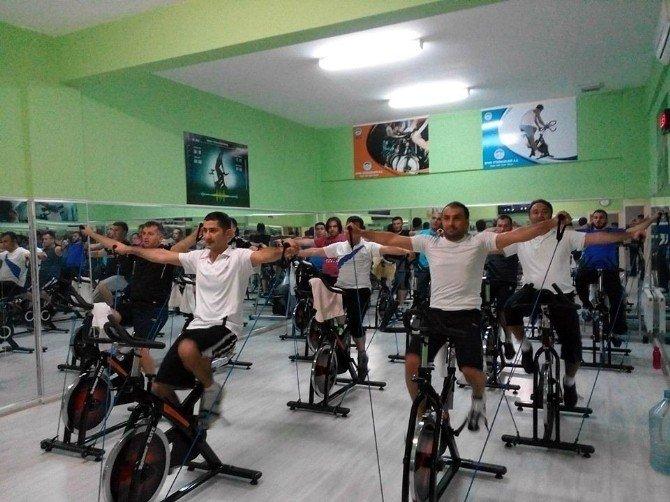 Büyükşehir Belediyesi Spor Tesisleri'ne Vatandaşlardan Yoğun İlgi