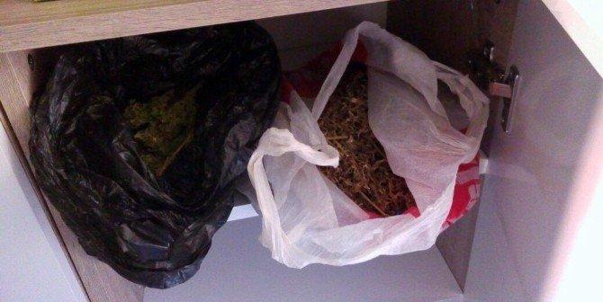 Büfede 3 Kilogram Esrar Yakalandı