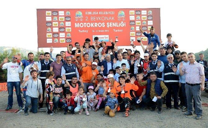 Kumluca'da Motorkros Heyecanı