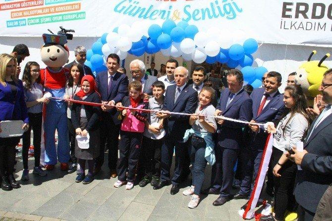 Karadeniz'in İlk Çocuk Kitap Fuarı Açıldı