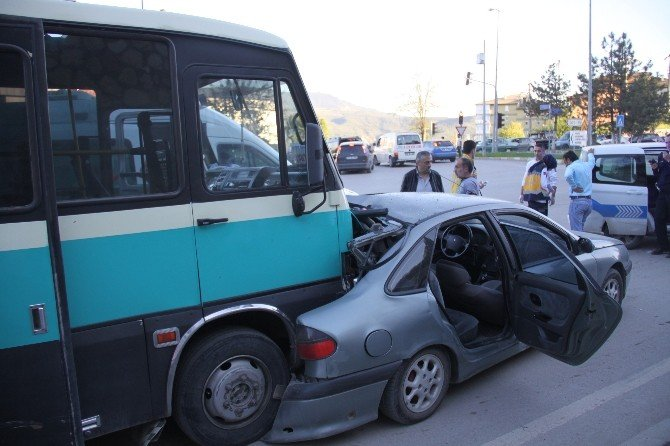 Karabük'te Zincirleme Trafik Kazası : 11 Yaralı