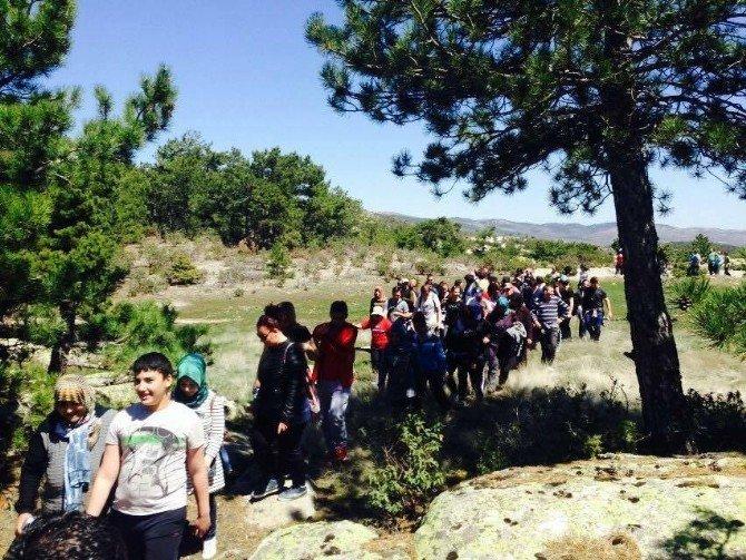 120 Kişi Doğlat Yaylasına Yürüdü