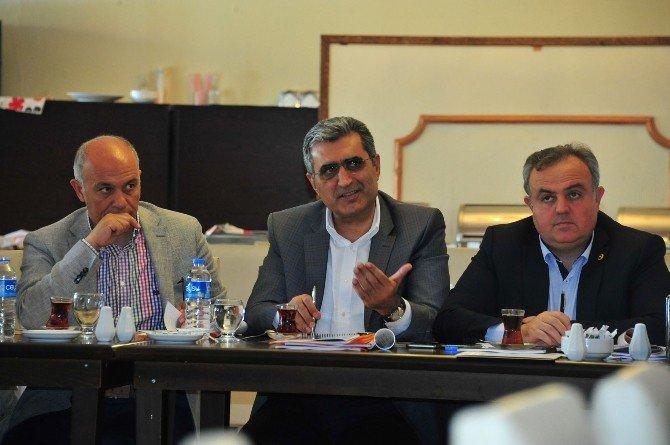 Milletvekilleri İl Müdürleriyle Bir Araya Gelmeye Devam Ediyor