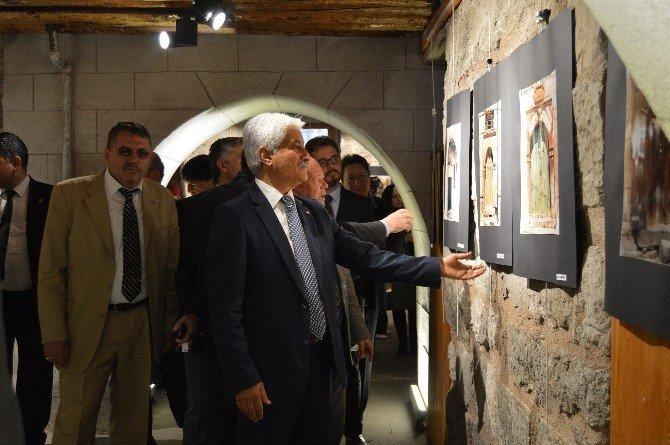Gazeteci Doğan Koca'nın 'Tarihi Kapılar' Temalı Fotoğraf Sergisi Açıldı