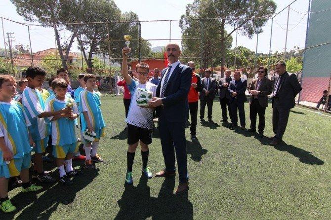 Koçarlı'da Minikler Futbol Turnuvası Yapıldı