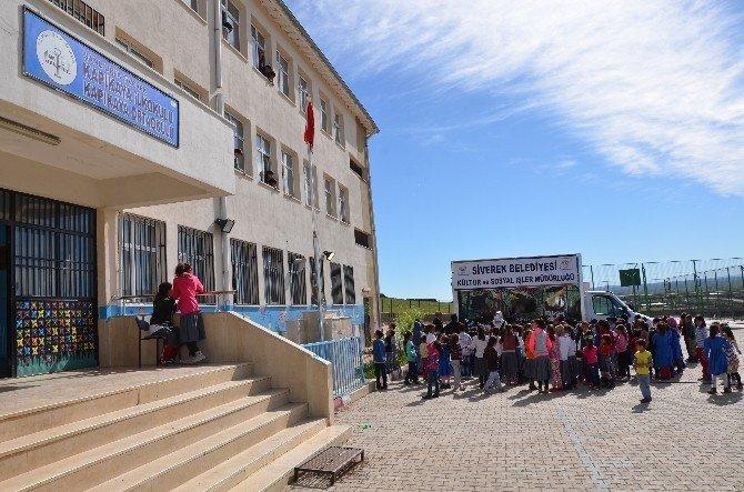 Siverek Belediyesi'nden Öğrencilere 12d Sinema Keyfi
