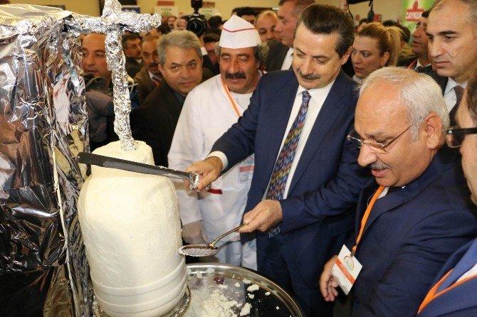 Tarım Bakanı Faruk Çelik Erzincan Tulum Peyniri Döneri Kesti