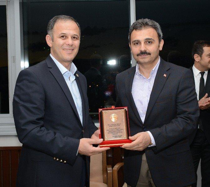 Oryantiring Federasyonu'ndan Başkan Külcü'ye Plaket